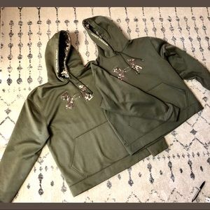Under Armour Pixelated Camo Logo in Olive- M & L